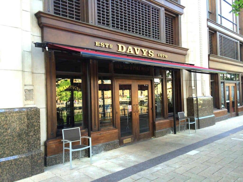 Butterfly Awnings – Davys Wine Bar Canary Wharf London
