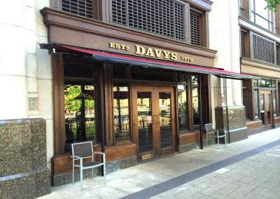 Butterfly Awnings – Davys Wine Bar Canary Wharf London