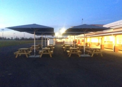 giant-commercial-parasols-chelmsford-race-course-10