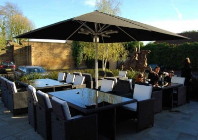 giant-heated-parasols-sheesh-restaurant-chigwell-essex-03
