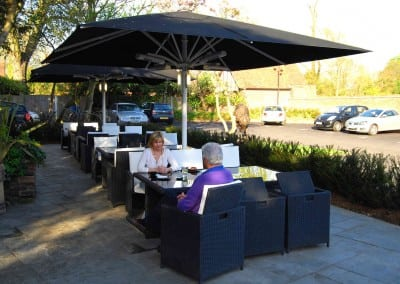 giant-heated-parasols-sheesh-restaurant-chigwell-essex-05