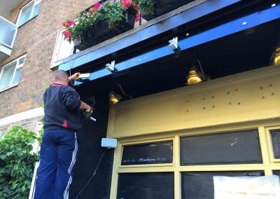 retractable-awnings-the-belgravia-arms-london-02