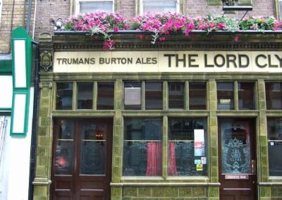 retractable-awnings-the-lord-clyde-pub-london-02