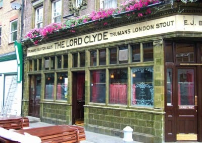 retractable-awnings-the-lord-clyde-pub-london-03