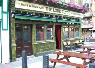 retractable-awnings-the-lord-clyde-pub-london-04