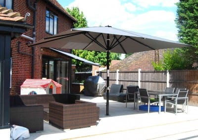 uhlman-giant-parasol-and-retractable-awning-loughton-07