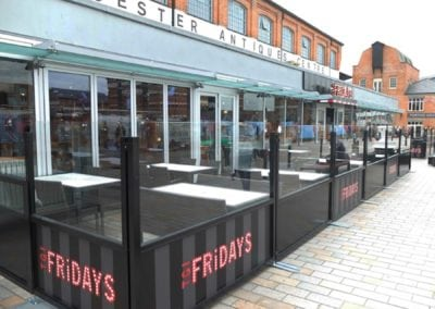 Terrace screens TGI Fridays