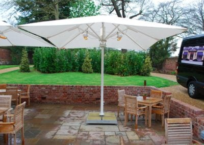 Parasols for Hotels - The Northgate Hotel Restaurant Bury St Edmonds Sufflok 5