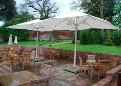 Parasols for Hotels - The Northgate Hotel Restaurant Bury St Edmonds Sufflok 6